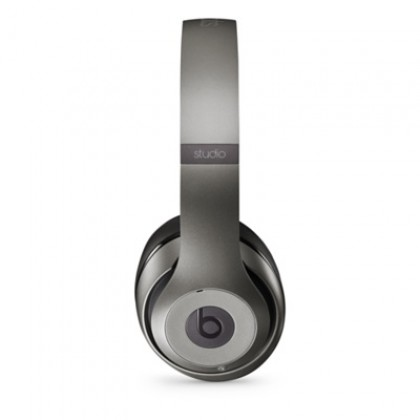 Sluchátka Beats Studio přes uši, titanová